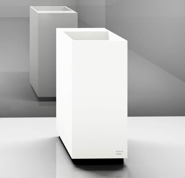 Trinkbrunnen, eckig  mit Armaturenblock, 40x90x40 cm, Korpus: weiß, Sockel: weiß