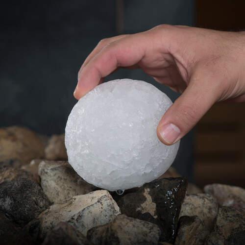 Eisaufguss-Kugel aus Eschenholz