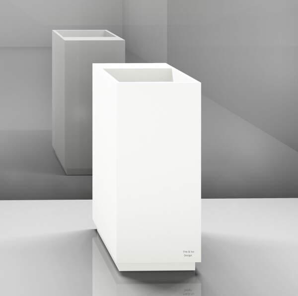 Trinkbrunnen XXL, eckig mit Armaturenblock, 45x90x45 cm, Korpus: weiß, Sockel: weiß